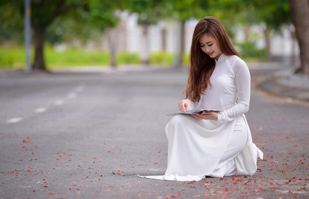 hoaphuong 27 - Phân tích bài thơ Tràng giang của Huy Cận (dàn ý và bài làm chi tiết)